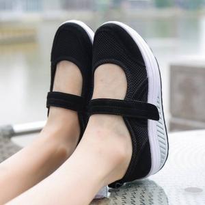 พร้อมส่ง รองเท้าผ้าใบเสริมส้นสีดำ ผ้าทอตาข่าย สายรัดเมจิกเทป แฟชั่นเกาหลี [สีดำ ]