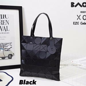 กระเป๋าถือ กระเป๋าสะพายข้างแฟชั่น งาน BAOBAO ทรงสีเหลี่ยม [สีดำ ]