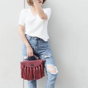 กระเป๋าสะพายแฟชั่น กระเป๋าสะพายข้างผู้หญิง แบบฝาพับ แต่งภู่ใหญ่ [สีแดง ]