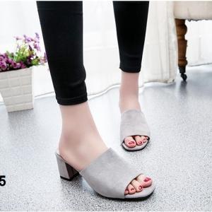 รองเท้าส้นตันเปิดส้น แบบสวม [สีเทา ]