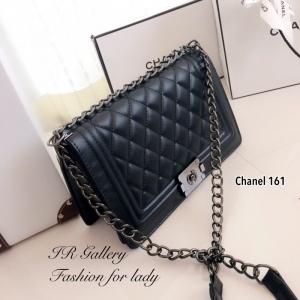 กระเป๋าสะพายแฟชั่น กระเป๋าสะพายข้างผู้หญิง หนังอย่างดี ด้านในบุผ้าเรโทร Style Chanel Boy [สีดำ ]
