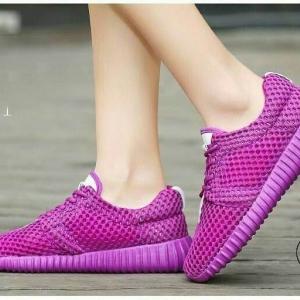 พร้อมส่ง รองเท้าผ้าใบเสริมส้นสีแดง ผ้าตาข่าย น้ำหนักเบา แฟชั่นเกาหลี [สีแดง ]