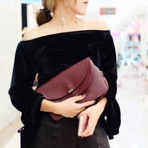 กระเป๋าคลัทช์ กระเป๋าถือผู้หญิง ฝาพับ ด้านในเป็นกำมะหยี่ [สีแดง ]