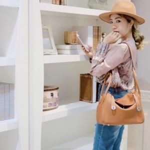กระเป๋าสะพายแฟชั่น กระเป๋าสะพายข้างผู้หญิง Lindy 28 หนังแท้ ใช้ทั้งคล้องแขน สะพายไหล่ [สีส้มอิฐ ]