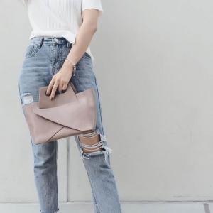 กระเป๋าสะพายแฟชั่น กระเป๋าสะพายข้างผู้หญิง กระเป๋าดีไซด์เก๋ เอนกประสง ถือก็ได้สะพายก็เท่ หนังPU [สีนู๊ด ]
