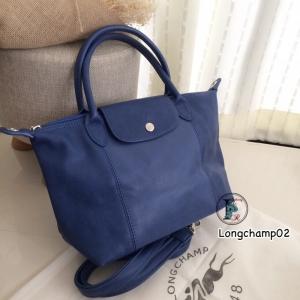 กระเป๋าสะพายแฟชั่น กระเป๋าสะพายข้างผู้หญิง แบบชนช้อป Longchamp Le Pliage Cuir size M [สีน้ำเงิน ]