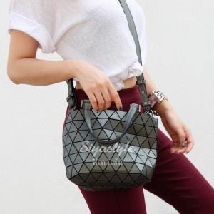 กระเป๋าสะพายแฟชั่น กระเป๋าสะพายข้างผู้หญิง Barel mini Logo [สีเทาเข้ม ]
