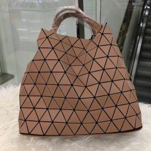 กระเป๋าสะพายแฟชั่น กระเป๋าสะพายข้างผู้หญิง Bao Bao Baral ทรงถัง [สีคาราเมล ]