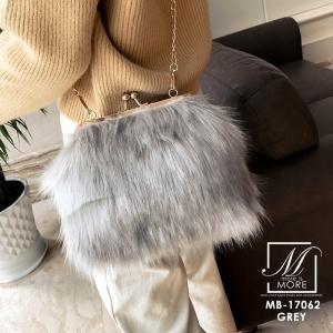 พร้อมส่ง กระเป๋าแฟชั่นนำเข้าแบบขน fur สุดนุ่ม [สีเทา]