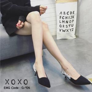 พร้อมส่ง รองเท้าส้นสูงหัวแหลมสีดำ ทรงเก็บหน้าเท้า สายคาดส้นแบบริบบิ้น แฟชั่นเกาหลี [สีดำ ]