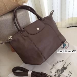 กระเป๋าสะพายแฟชั่น กระเป๋าสะพายข้างผู้หญิง แบบชนช้อป Longchamp Le Pliage Cuir size M [สีน้ำตาล ]