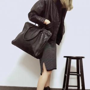 กระเป๋าสะพายแฟชั่น กระเป๋าสะพายข้างผู้หญิง หนังพียูเกรดเอ ใบใหญ่ [สีเทาเข้ม ]