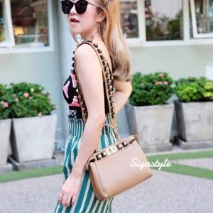 กระเป๋าสะพายแฟชั่น กระเป๋าสะพายข้างผู้หญิง Fendi candy stud [สีครีม]