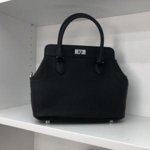 พร้อมส่ง กระเป๋าสะพายข้างหนังแท้ Toolbox 24 CM Leather [สีดำ]