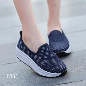 พร้อมส่ง รองเท้าผ้าใบเสริมส้นสีน้ำเงิน พื้นสุขภาพ มีรูระบายอากาศ แฟชั่นเกาหลี [สีน้ำเงิน ]