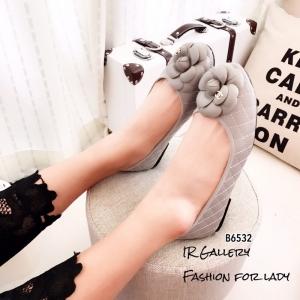 พร้อมส่ง รองเท้าคัทชูส้นแบน แต่งอะไหลดอกคามิลเลีย StyleChanel แฟชั่นเกาหลี [สีเทา ]