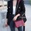 พร้อมส่ง กระเป๋าสะพายข้างผู้หญิง CN คาเวียร์ 8 นิ้ว (ก้านแก้ว) [สีแดง ] thumbnail 3