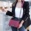 พร้อมส่ง กระเป๋าสะพายข้างผู้หญิง CN คาเวียร์ 8 นิ้ว (ก้านแก้ว) [สีแดง ] thumbnail 1