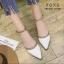พร้อมส่ง รองเท้าคัทชูส้นแบน สไตล์Valentino G-1169-WHI [สีขาว] thumbnail 1