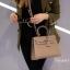 พร้อมส่ง กระเป๋าสะพายข้างผู้หญิง Kelly size 25 cm [สีกากี] thumbnail 4