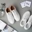 พร้อมส่ง รองเท้าผ้าใบสไตล์หนัง คล้ายหนังแกะ ด้านในน้ำตาล G-1165-WHI [สีขาว] thumbnail 2