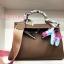 พร้อมส่ง กระเป๋าสะพายข้างผู้หญิง Kelly 32 cm [สีช็อกโกแลต] thumbnail 1