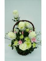 กระเช้าดอกไม้กุหลาบขาว รหัส 2057
