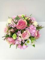 แจกันดอกไม้ประดิษฐ์ทรงกลมโทนชมพู