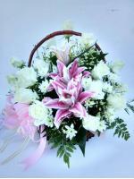 กระเช้าดอกไม้กุหลาบ-ลิลลี่ชมพู รหัส 2055