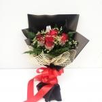 ช่อดอกไม้ กุหลาบแดง 5 ดอก รหัส 1061