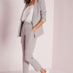 แฟชั่นชุดทำงานผู้หญิงแบบคล่องตัว-กางเกงและสูท
