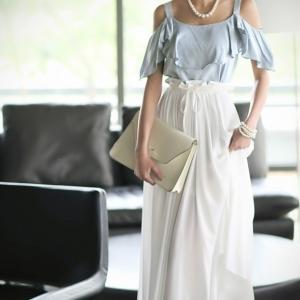 พร้อมส่ง Maxi dress ผ้าชีฟอง เปิดไหล่ แต่งระบายสวยหรู ตัดต่อส่วนกระโปรงยาวพลิ้วสีขาวสวย มีซับใน น่ารักมาก สามารถใส่ออกงานกลางคืนได้