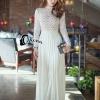 dress สีขาวแขนยาวช่วงบนเป็นลูกไม้สีขาวแขนยาวช่วงอกมีซับในสีเนื้อ