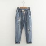 กางเกงยีนส์ขายาวสีน้ำเงิน แต่งลายแมวน่ารักค่ะ
