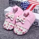 รองเท้าเด็กอ่อน ดอกไม้ประดับโบว์สีชมพู ผ้านิ่มมีกันลื่น วัย 0-12 เดือน