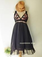 เดรสค็อกเทลปักลายดอกไม้สีดำ Black Flower Weave Clocktail Dress