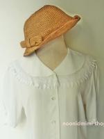 เสื้อวินเทจปกลูกไม้สีขาว (Vintage Lace Collar White Blouse)