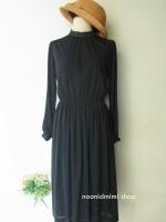 เดรสวินเทจแขนยาวขอบระบายลูกไม้สีดำ Black Lace Decorate Very Vintage Dress