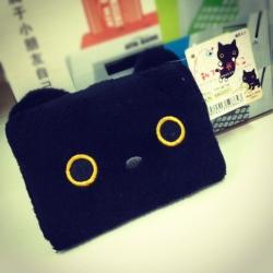 กระเป๋าใส่การ์ด ลายแมวดำ Kutsushita ช่องใส่บัตร20ช่อง