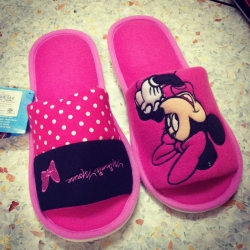 รองเท้าใส่เดินในบ้าน ขนาด Freesize ลาย Minnie Mouse มินนี่เมาส์