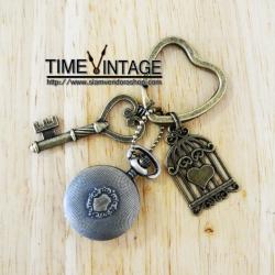 """**พร้อมส่ง**พวงกุญแจประดับนาฬิกา ดีไซด์ """"Love Cage"""""""