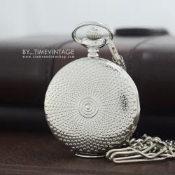 นาฬิกาพกฝาทึบตัวเรือนสีเงิน สไตล์ Silver Polka Dot ระบบถ่านควอทซ์ญี่ปุ่น