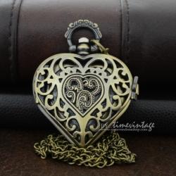 สร้อยคอหัวใจวินเทจแบบสร้อยคอลายหัวใจฝาฉลุ (พร้อมส่ง)