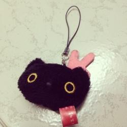 ที่ห้อยโทรศัพท์ เช็ดหน้าจอ ลาย แมวดำ Kutsushita