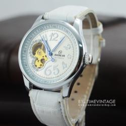 นาฬิกาข้อมือกลไก สีขาว หัวใจคริสตัล สายหนัง (พร้อมส่ง)