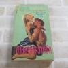 ตามล่าหาความรัก (The Enchantment) Kristin Hannah เขียน ปิยะฉัตร แปล
