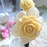 ที่คาดผ้าแสนหวาน สีขาวประดับดอกไม้