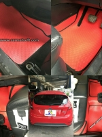 ยางปูพื้นรถยนต์ FIESTA รุ่น minimat กระดุมเม็ดเล็ก สีแดงขอบดำ เต็มคัน 14ชิ้น