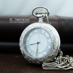 นาฬิกาพกสีเงินระบบไขลานฝาคริสตัล Roman Modern ดีไซต์เรียบหรู
