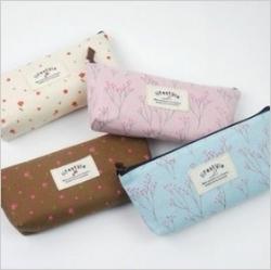 กระเป๋าเก็บเครื่องเขียน ทำจากผ้าพิมพ์ลายดอกไม้หวานสดใส สไตล์วินเทจ (ราคาส่ง 3ใบ เหลือใบละ 80บาท)